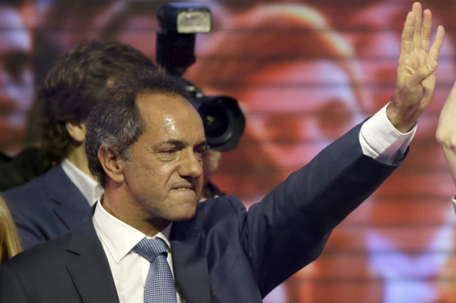 Daniel Scioli... (PHOTO AP)