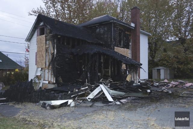 Les dommages sont estimés à plusieurs milliers de... (Catherine Trudeau, La Voix de l'Est)