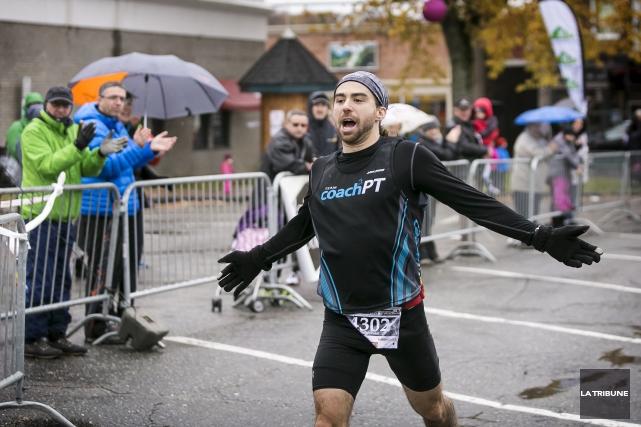 Vainqueur du Marathon de Magog, Samuel Trudel a... (Imacom, Jocelyn Riendeau)