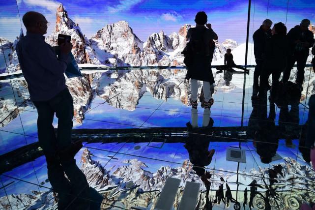 Des visiteurs au pavillon de l'Italie en mai... (PHOTO OLIVIER MORIN, ARCHIVES AFP)