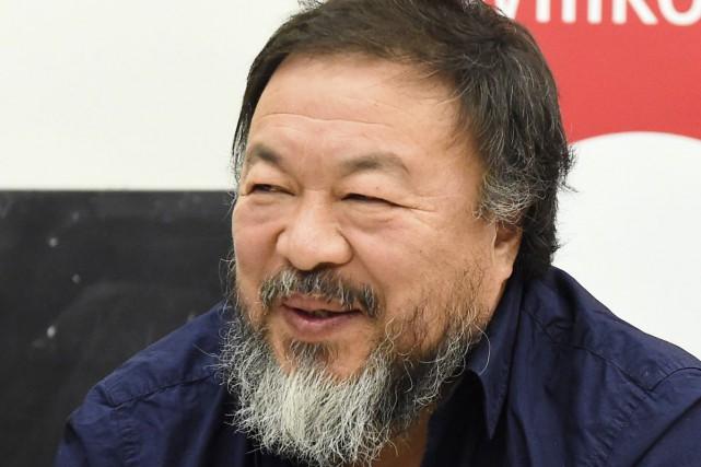 L'artiste dissident chinois Ai Weiwei va mettre en place des points de collecte... (PHOTO AFP)