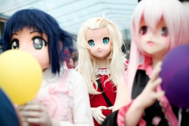 Des femmes déguisées en personnages de mangas participent... (PHOTO THIBAULT CAMUS, ARCHIVES AP)