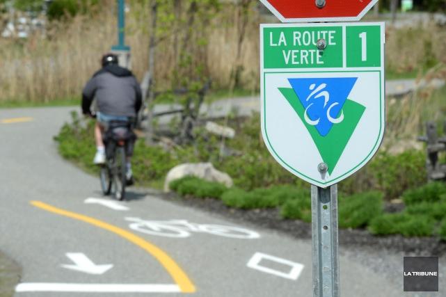 Pour convaincre Québec de restaurer le financement de l'entretien de la Route... (Archives La Tribune, Jessica Garneau)