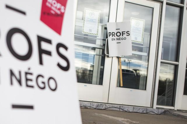 Les professeurs dénoncent la dégradation des services.... (Photo: Olivier Croteau)