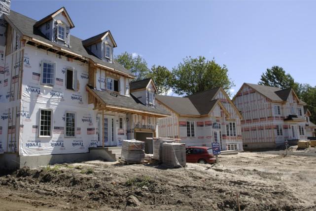 Le nombre annuel de mises en chantier d'habitations...