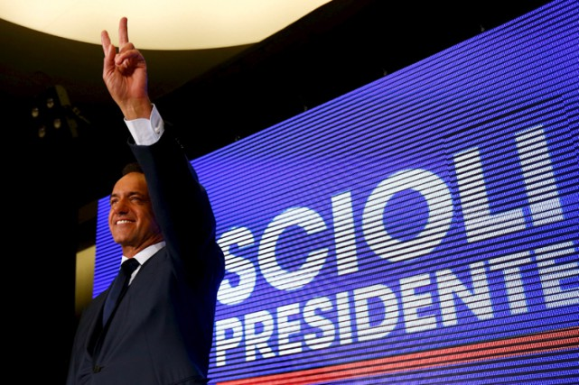 Daniel Scioli... (PHOTO REUTERS)