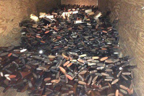Brent Nicholson stockait chez lui de 7000 à... (PHOTO TIRÉE DE TWITTER)