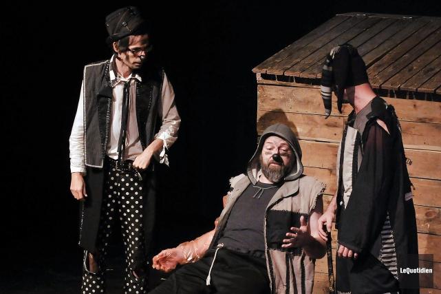 Les responsables du Théâtre du faux coffre nous... (Archives Le Quotidien, Rocket Lavoie)