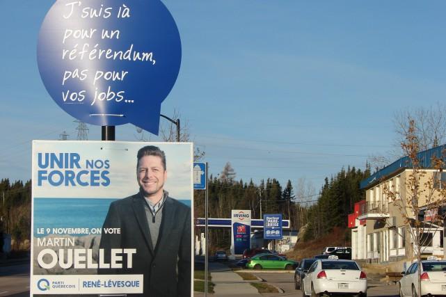 La Coalition avenir Québec a collé des bulles... (Collaboration spéciale, Steeve Paradis)