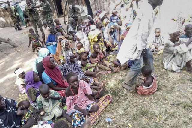 «Une unité de l'armée a secouru 338 personnes... (PHOTO AFP/ARMÉE NIGÉRIANE)