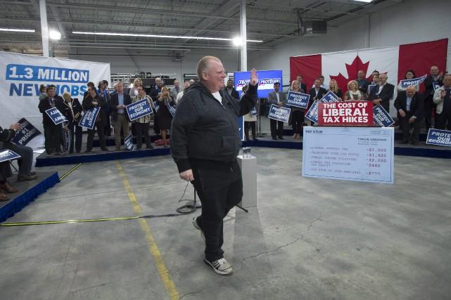 Rob Ford lors d'un rassemblement organisé par le... (Photo Jonathan Hayward, La Presse Canadienne)