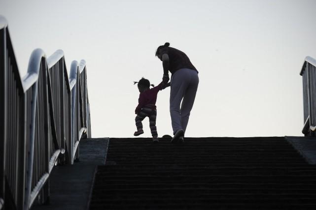La Chine a annoncé jeudi la fin de la politique controversée de l'enfant... (PHOTO WANG ZHAO, ARCHIVES AFP)