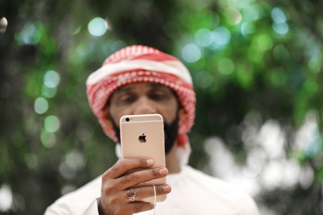 Apple Store Dubai, installé au deuxième étage du... (Photo AP)