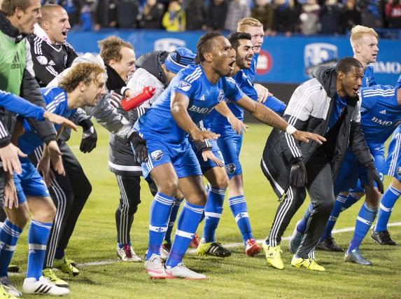 L'équipe de Montréal célèbre après une belle victoire3-0... (La Presse Canadienne)