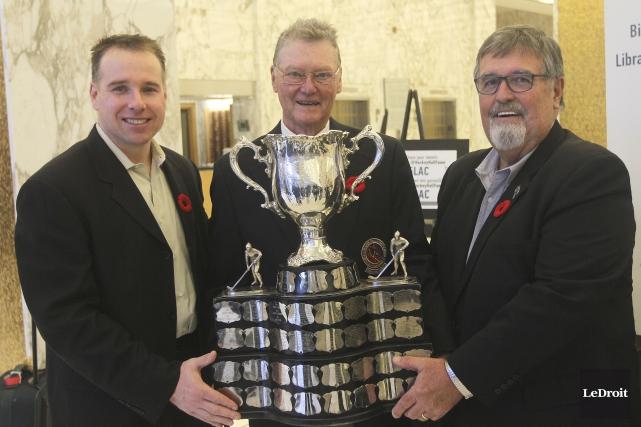 Todd White, Brian Kilrea et Norm MacMillan ont... (Etienne Ranger, LeDroit)