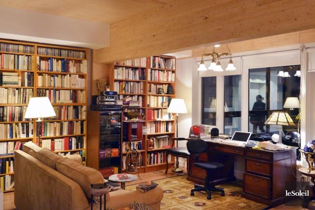Cette grande pièce ouverte qui sert de salon,... (Le Soleil, Jean-Marie Villeneuve)
