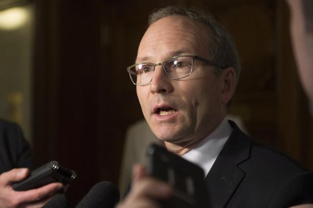 Le président du Conseil du trésor, Martin Coiteux... (Photo Jacques Boissinot, La Presse Canadienne)