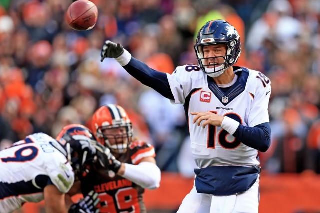 Le rendement de Peyton Manning est inquiétant depuis... (Agence France-Press)