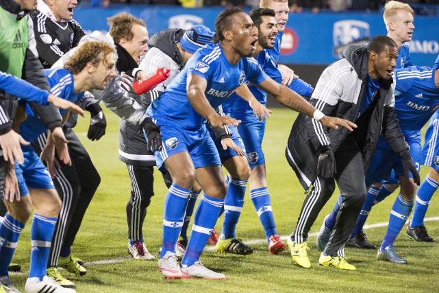 Didier Drogba et ses coéquipiers ne cachaient pas... (La Presse Canadienne, Ryan Remiorz)