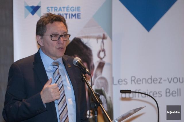 Le ministre délégué aux Transports et responsable de... (Photo Le Quotidien, Michel Tremblay)
