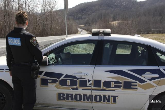 La sûreté municipale de Bromont coûtait 443,96$ par... (photo Alain Dion, archives La Voix de l'Est)
