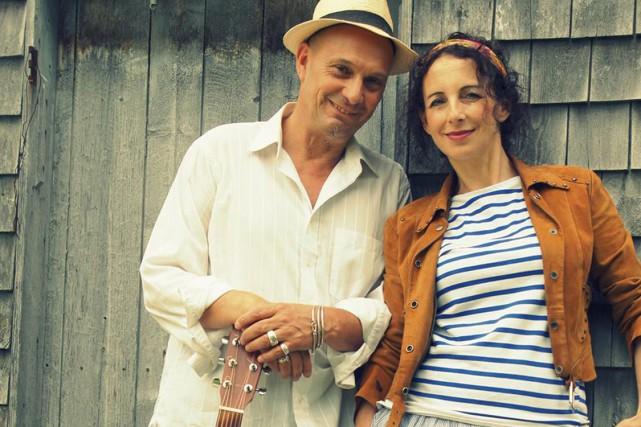 Les membres du duo Alcaz, Jean-Yves Liévaux et Vivianne Cayol, sont portés sur... (Photo tirée d'Internet)
