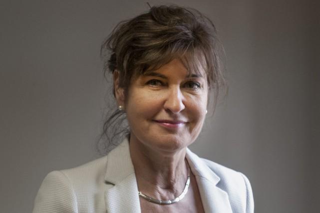 Christiane Barbe, la nouvelle présidente-directrice générale de Bibliothèque... (Photo Le Quotidien, Michel Tremblay)