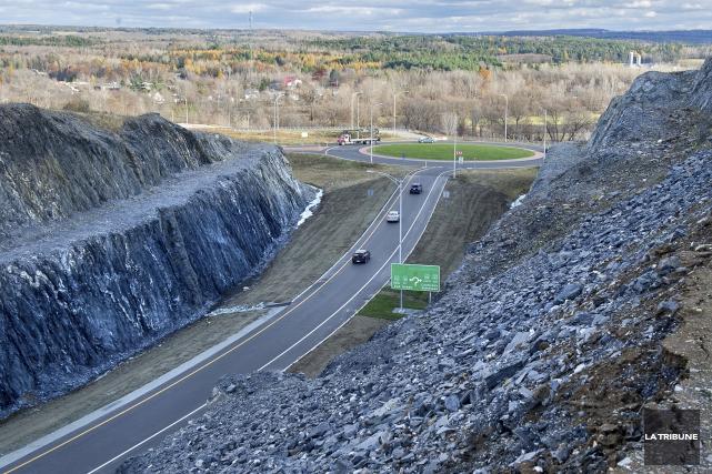 Le nouveau tronçon de l'autoroute 410 assure un... (Imacom, Maxime Picard)