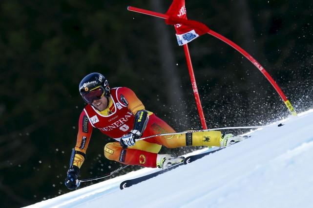 Dustin Cook, le skieur alpin du Lac Sainte-Marie,... (Alessandro Trovati, Archives AP)