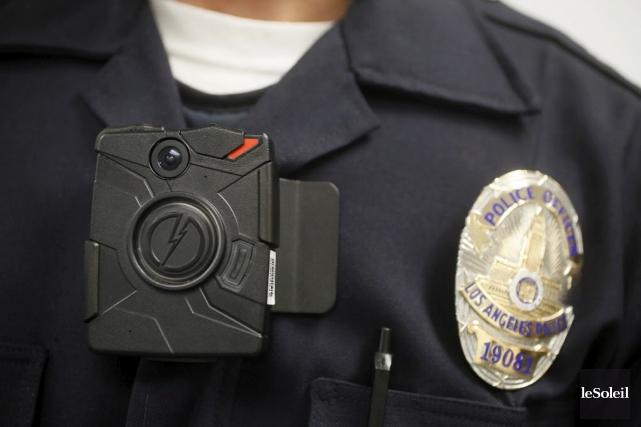 Des caméras corporelles seront portées par 50 policiers... (Photothèque Le Soleil)