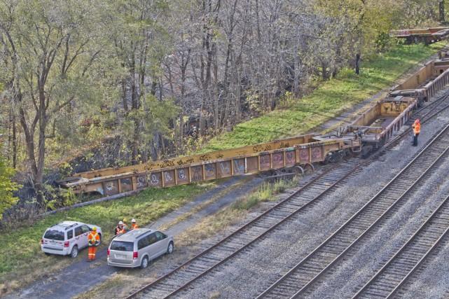Un train de marchandises a déraillé, jeudi, à... (PHOTO FÉLIX O.J. FOURNIER, COLLABORATION SPECIALE)