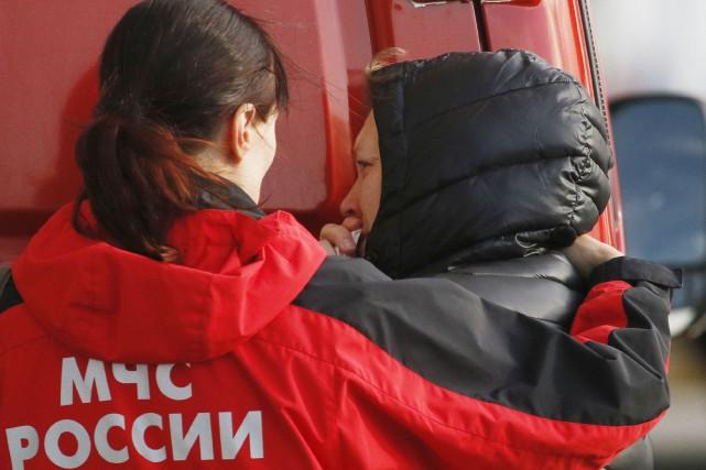 Les émotions étaient vives chez les proches des... (AP, Dmitry Lovetsky)