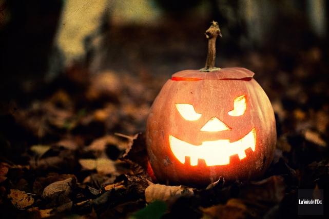 C'est l'Halloween en ce samedi 31 octobre et les services de police du Québec... (PHOTO LA VOIX DE L'EST)