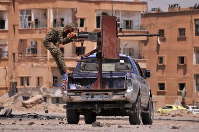 L'opération a commencé vendredi soir et va viser... (PHOTO DELIL SOULEIMAN, archives AFP)