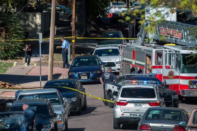 Les lieux du crime s'étendaient sur plusieurs rues,... (Photo Christian Murdock/The Gazette via AP)