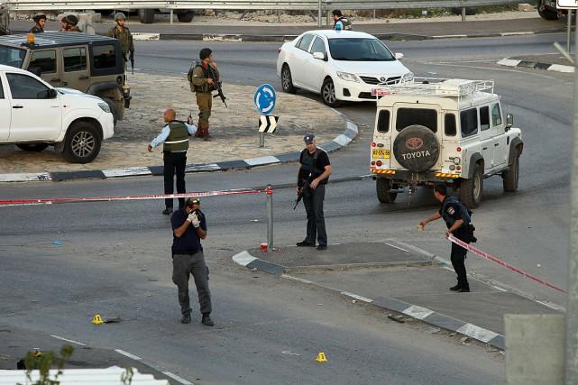 Trois gardes-frontières israéliens ont été blessés près de... (PHOTO HAZEM BADER, AFP)