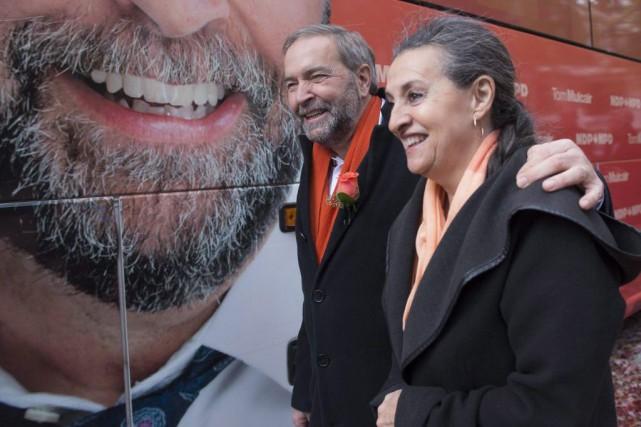 Le chef néo-démocrate Tom Mulcair et sa femme... (Ryan Remiorz, PC)