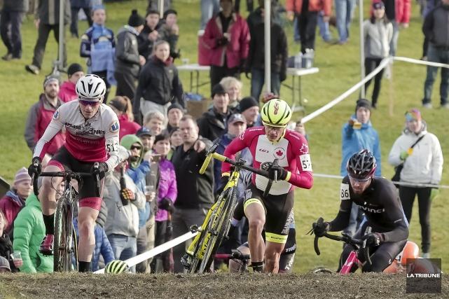 L'élite québécoise de cyclocross était à Sherbrooke dimanche.... (Imacom, Jocelyn Riendeau)