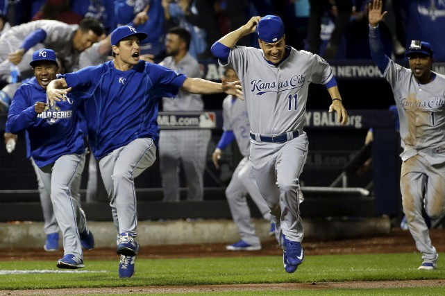 Les Royals de Kansas City ont remporté leur premier titre de la Série mondiale... (David J. Phillip, Associated Press)