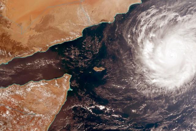 Dans l'île de Socotra, située dans l'océan Indien,... (IMAGE NOAA/AP)