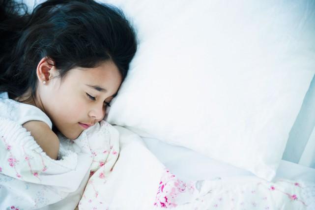 Près du tiers des enfants canadiens d'âge scolaire manquent de sommeil et la... (PHOTO MASTERFILE)