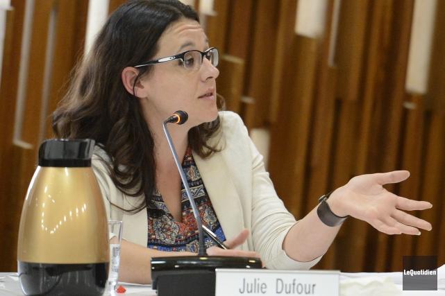 La conseillère municipale de Saguenay, Julie Dufour, demandera... ((Archives Le Quotidien))