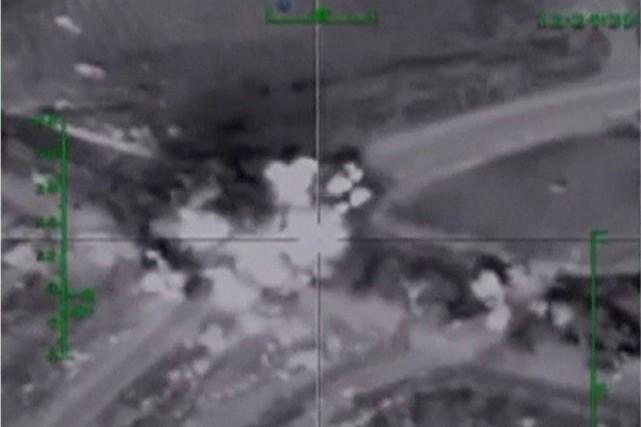 Cette image tirée d'une vidéo diffusée par la... (IMAGE ARCHIVES MINISTÈRE RUSSE DE LA DÉFENSE/REUTERS)
