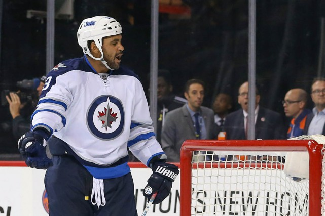 Dustin Byfuglien... (Photo Ed Mulholland, archives USA TODAY Sports)