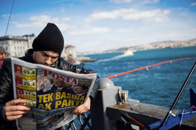 Le succès d'Erdogan a été unanimement interprété comme... (PHOTO AFP)