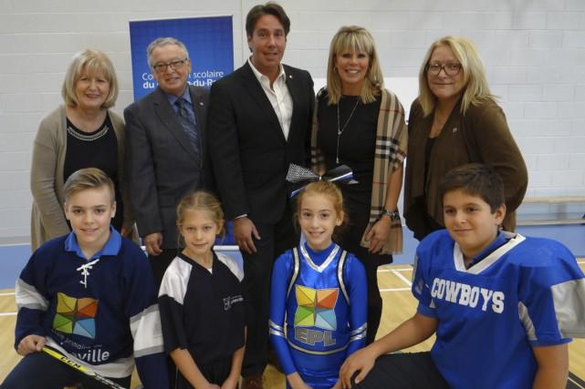 Le nouveau gymnase de l'école primaire de Louiseville...