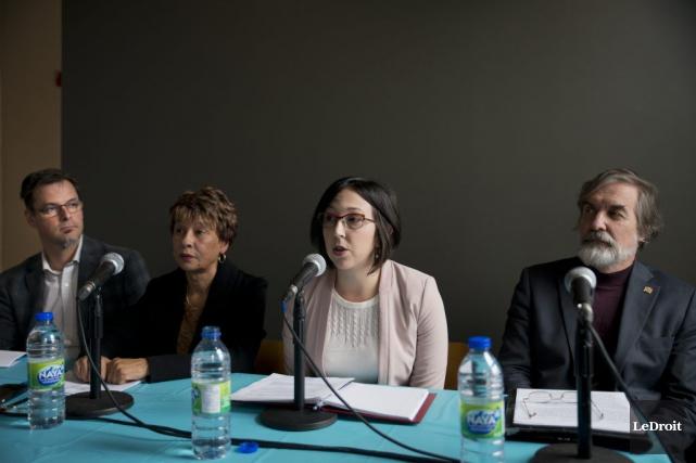 Les élus d'Action Gatineau, Martin Lajeunesse, Mireille Apollon,... (Martin Roy, LeDroit)