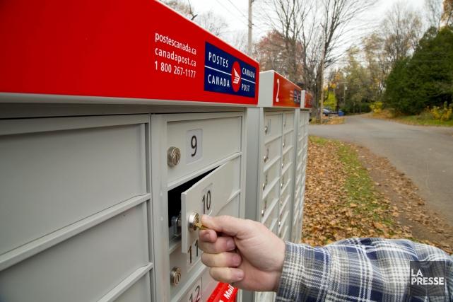 Le jour de la mise en place des boîtes postales à Saguenay, Postes Canada... (Archives La Presse)
