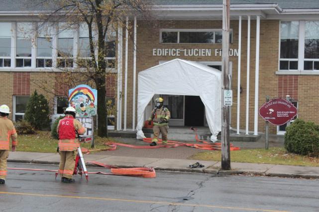 Une alarme incendie a forcé l'évacuation du CPE... (Audrey Tremblay)