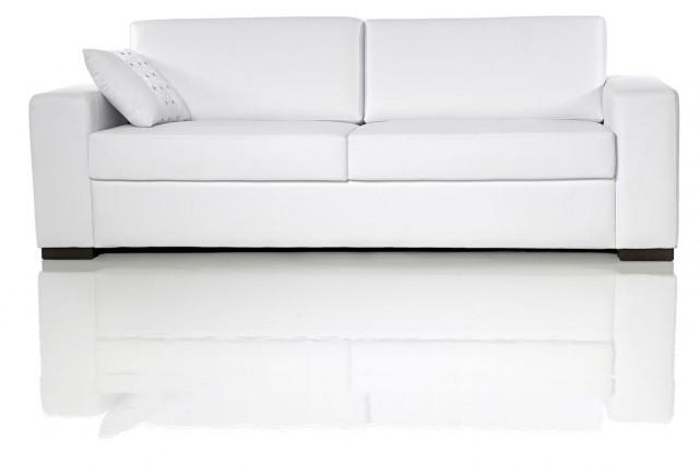 Vous l'ignorez sans doute, mais le canapé sur lequel vous êtes assis a de forts... (PHOTO THINKSTOCK)